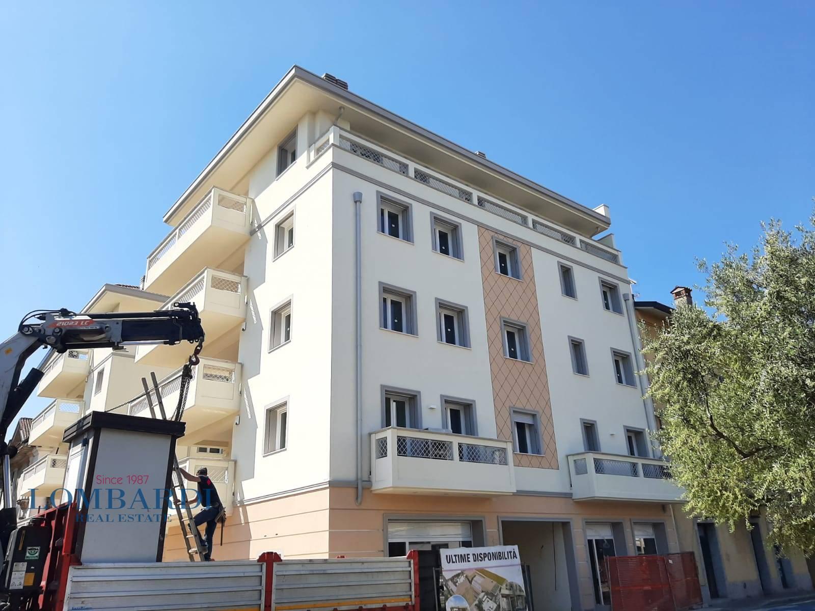 Vendita Quadrilocale Appartamento Cesano Maderno 149615