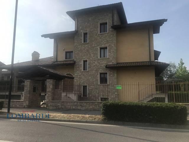 VILLA in Vendita a Bovisio, Bovisio-masciago (MILANO)