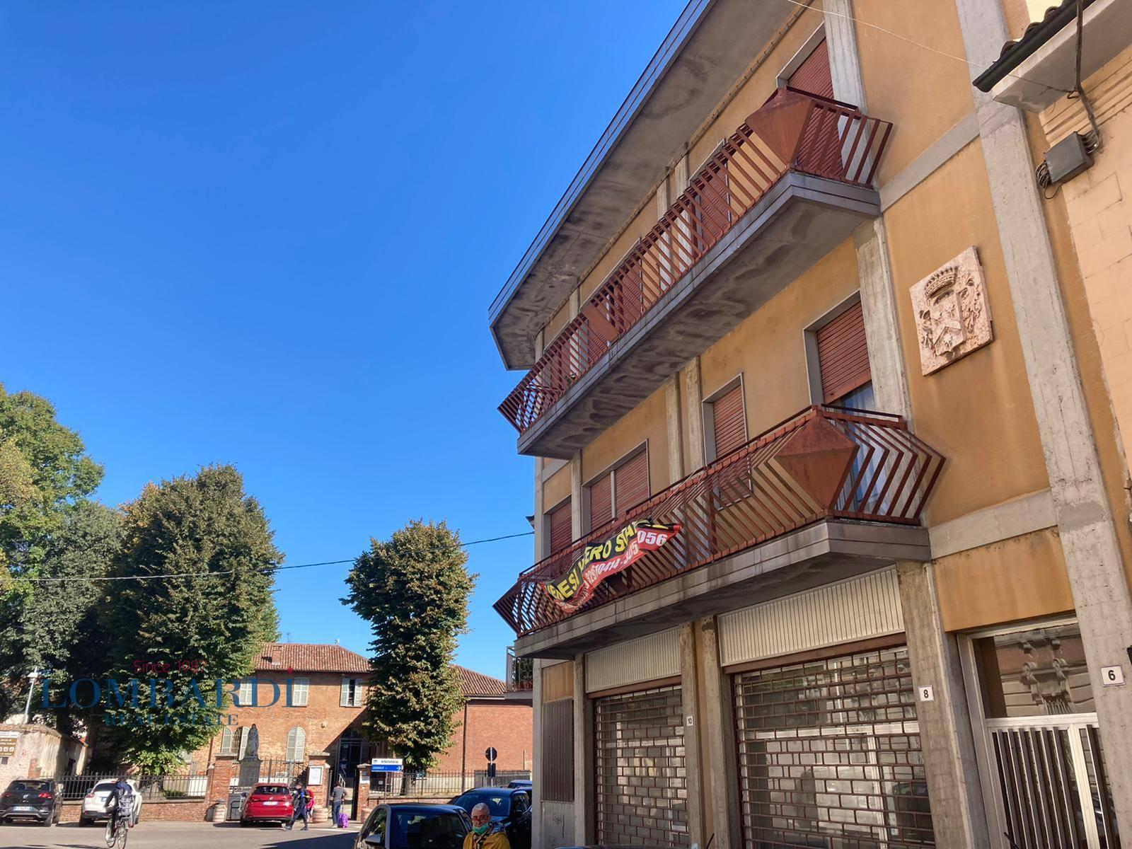 Palazzo / Stabile in vendita a Gropello Cairoli, 10 locali, prezzo € 330.000   CambioCasa.it