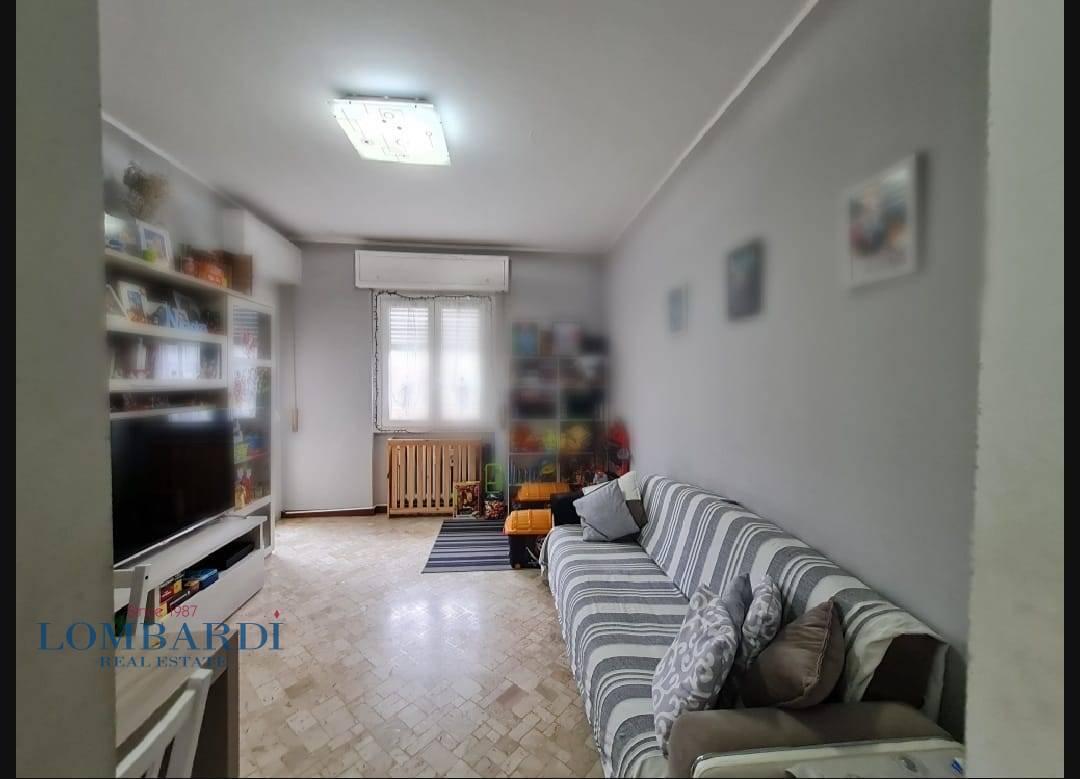 Appartamento in vendita a Novate Milanese, 2 locali, prezzo € 145.000 | CambioCasa.it