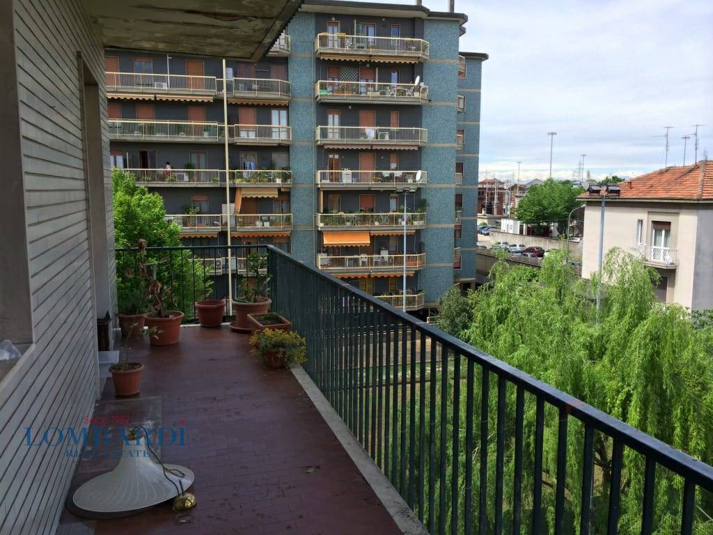 Appartamento in vendita a Novate Milanese, 2 locali, prezzo € 139.000   CambioCasa.it