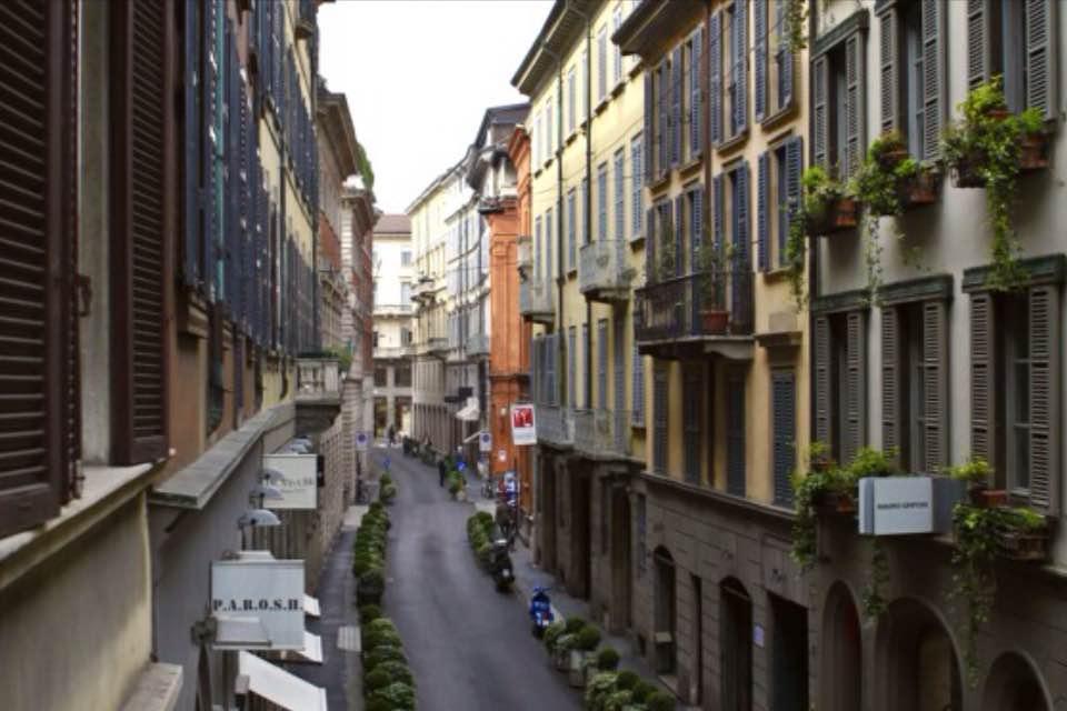Diviso in ambienti/Locali in affitto a Milano in Via Santo Spirito