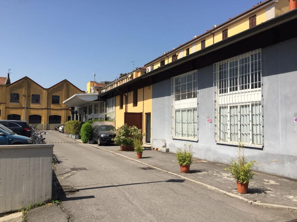 vendita ufficio milano tortona  700000 euro  225 mq