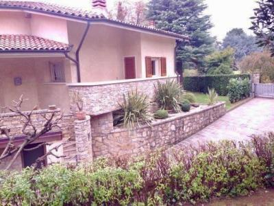 Villa in Vendita a Villongo