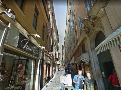 Negozio in Affitto a Sanremo