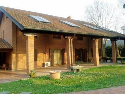 Casa indipendente in Vendita a Agrate Brianza