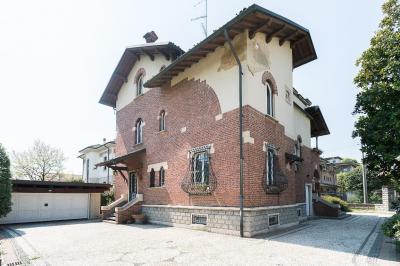 Villa in Vendita a Cesano Maderno