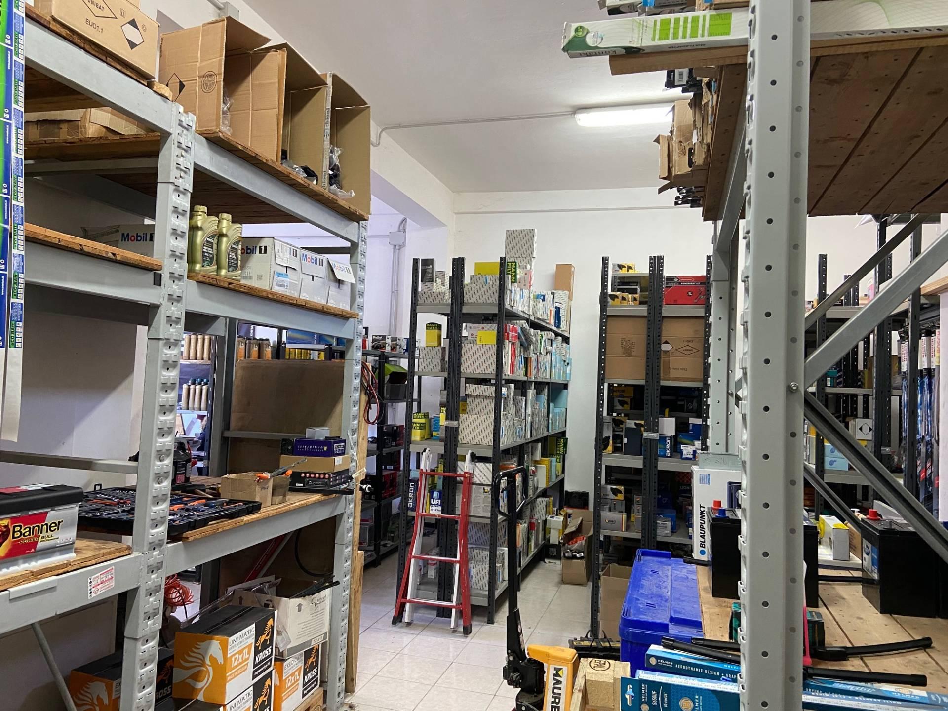 Negozio / Locale in vendita a Montemarciano, 9999 locali, zona Località: MarinadiMontemarciano, prezzo € 95.000 | CambioCasa.it