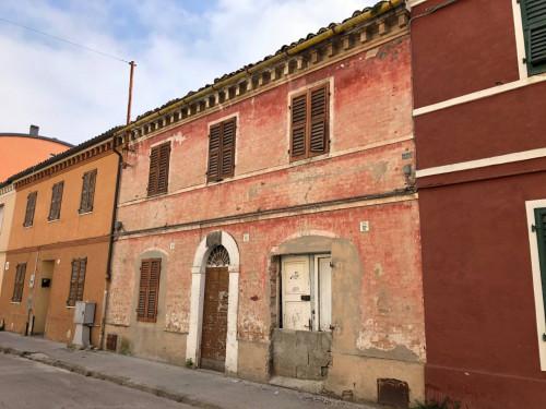Casa singola in Vendita a Falconara Marittima