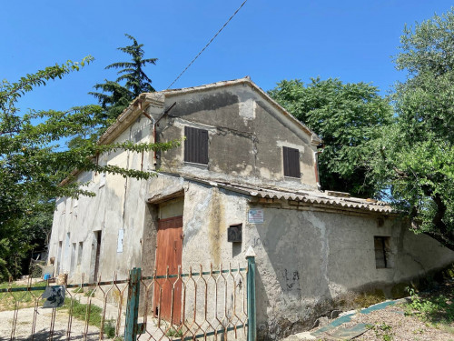 Rustico in Vendita a Monte San Vito