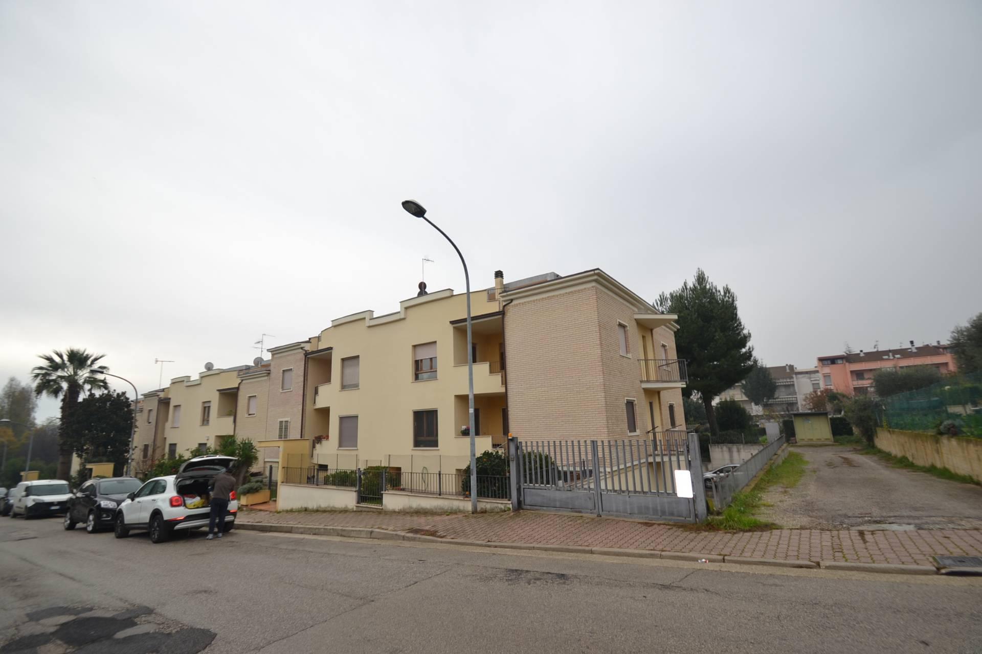 vendita appartamento san benedetto del tronto porto d'ascoli residenzia  220000 euro  5 locali  98 mq