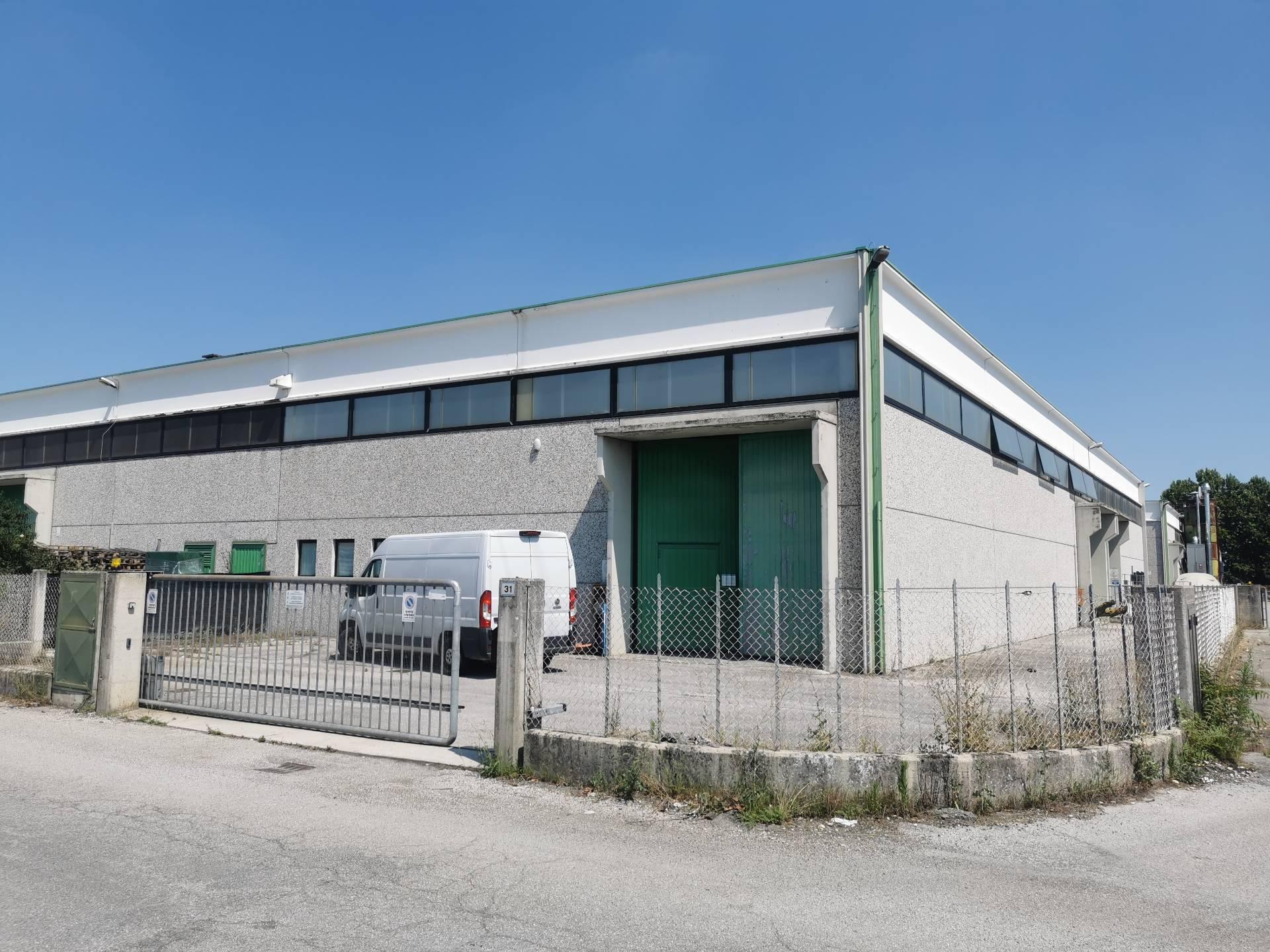 Capannone in vendita a Casale sul Sile, 9999 locali, prezzo € 220.000 | CambioCasa.it