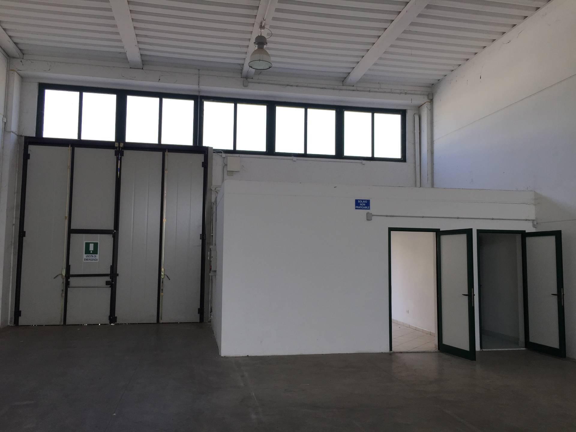 Capannone in vendita a Casale sul Sile, 9999 locali, prezzo € 165.000 | CambioCasa.it