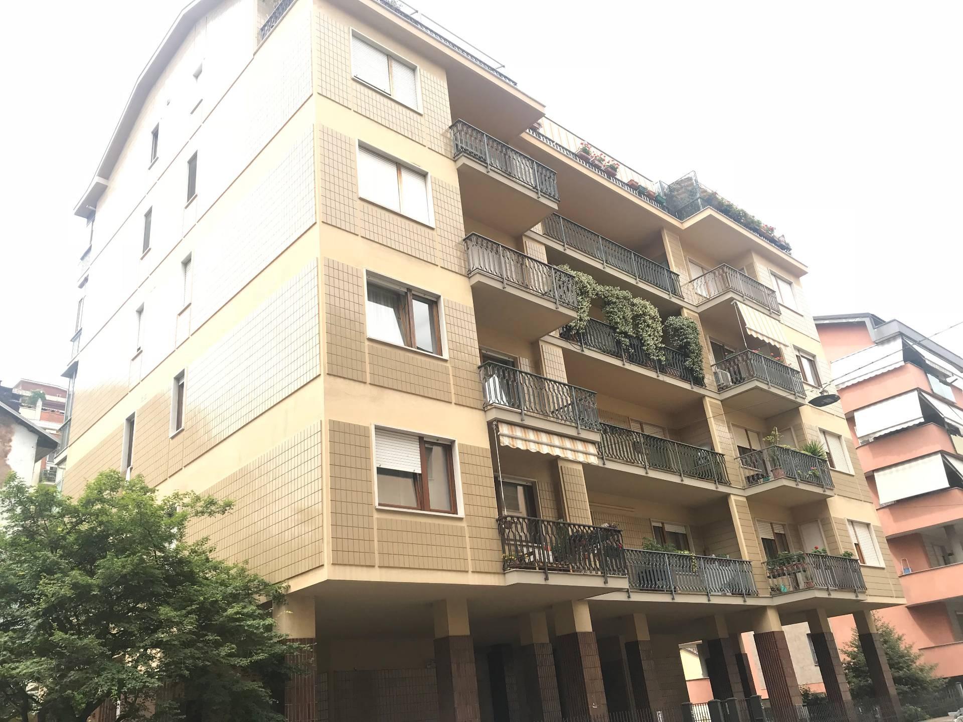 vendita appartamento torino san donato  258000 euro  4 locali  130 mq