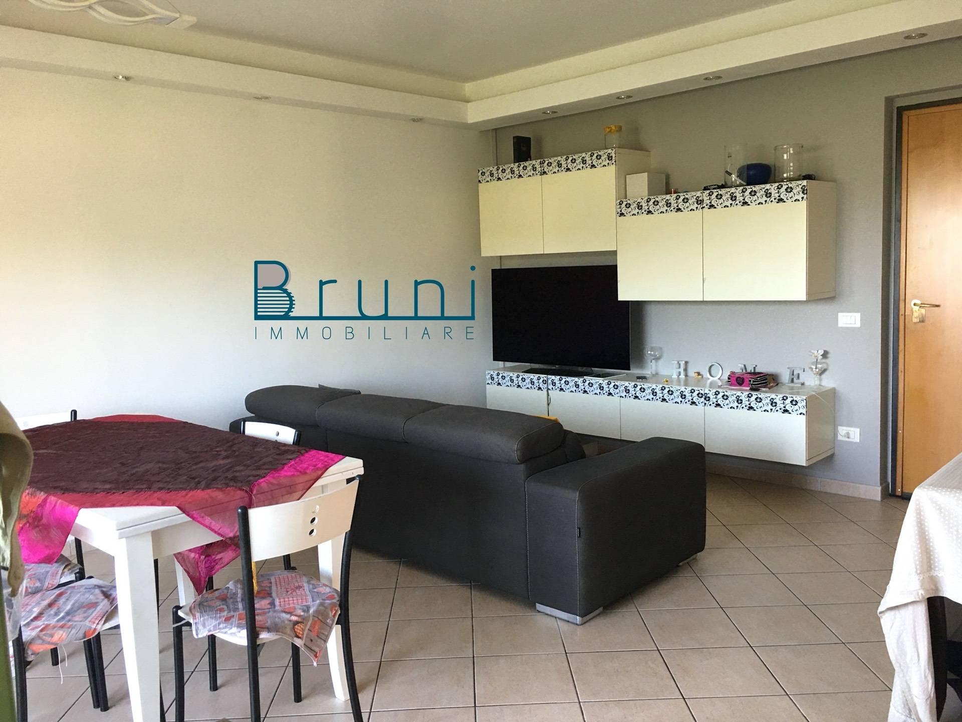 Appartamento in vendita a Acquaviva Picena, 3 locali, prezzo € 120.000 | CambioCasa.it