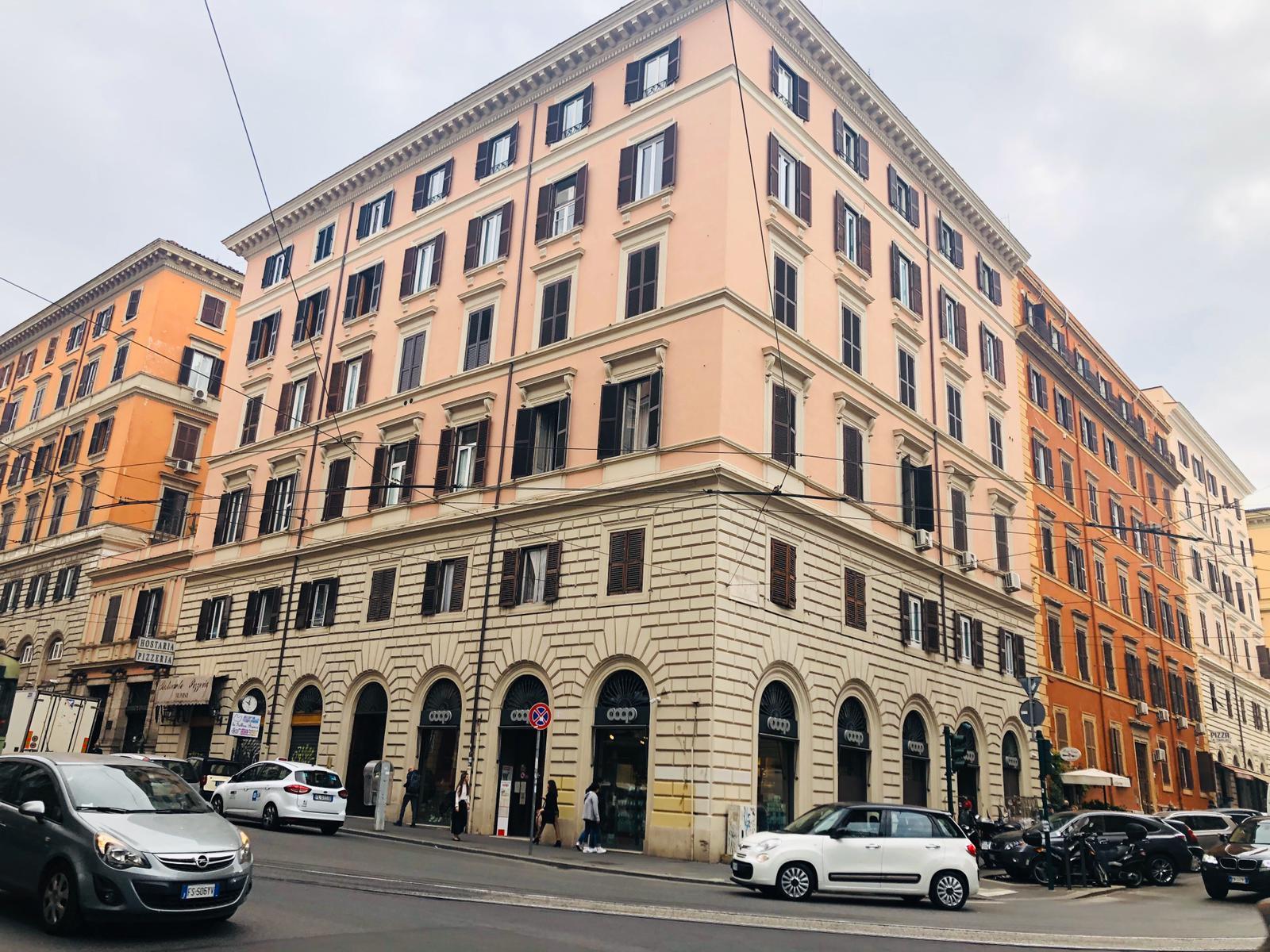 Appartamento in vendita a Roma, 6 locali, zona Località: Esquilino, prezzo € 1.050.000 | CambioCasa.it