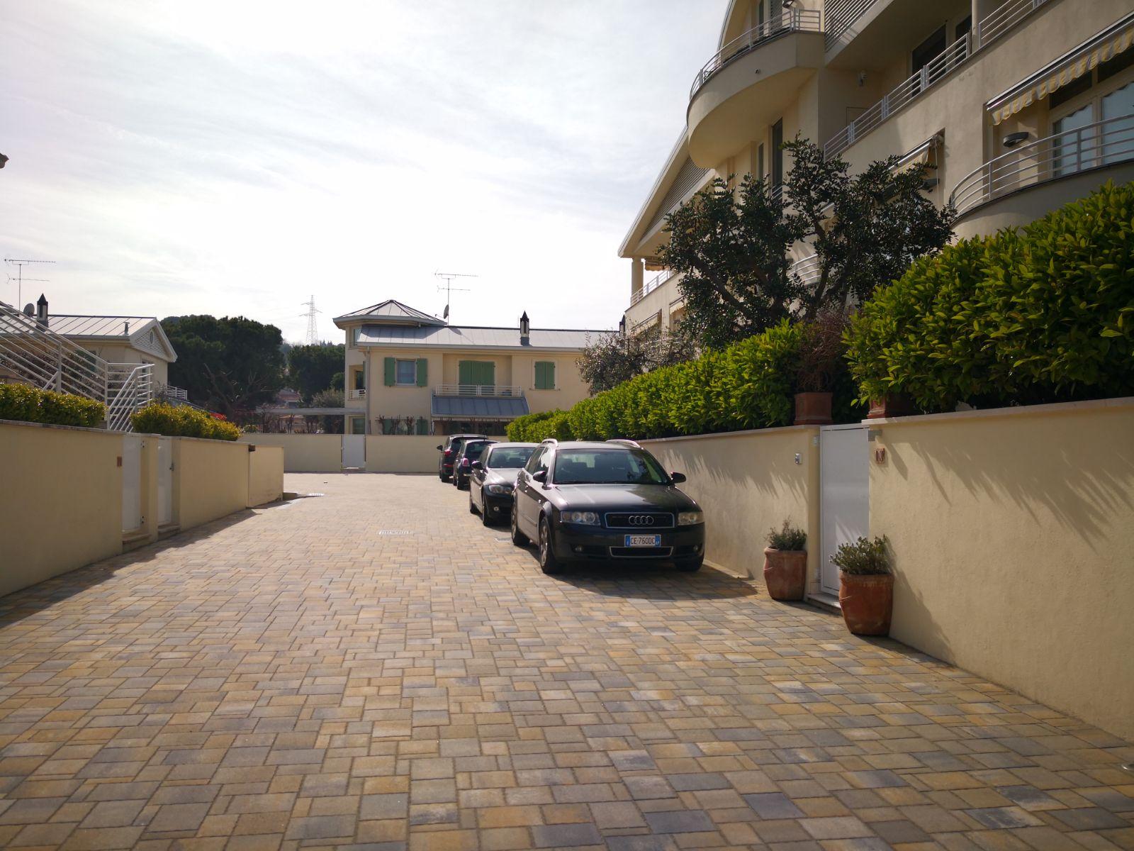 Appartamento in vendita a Porto San Giorgio, 6 locali, zona Località: Mare, prezzo € 357.000 | CambioCasa.it