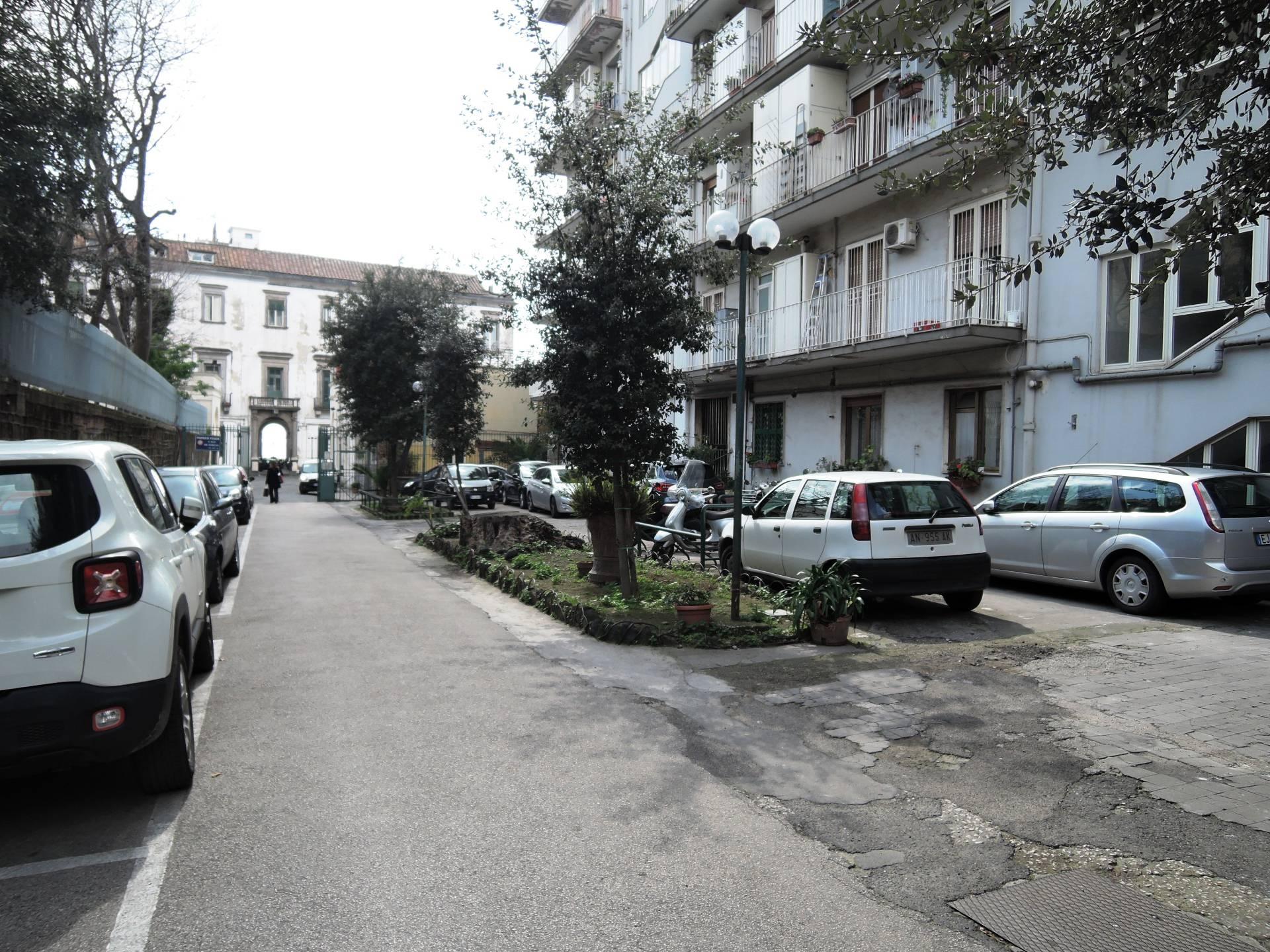 vendita appartamento napoli vomero  290000 euro  4 locali  90 mq