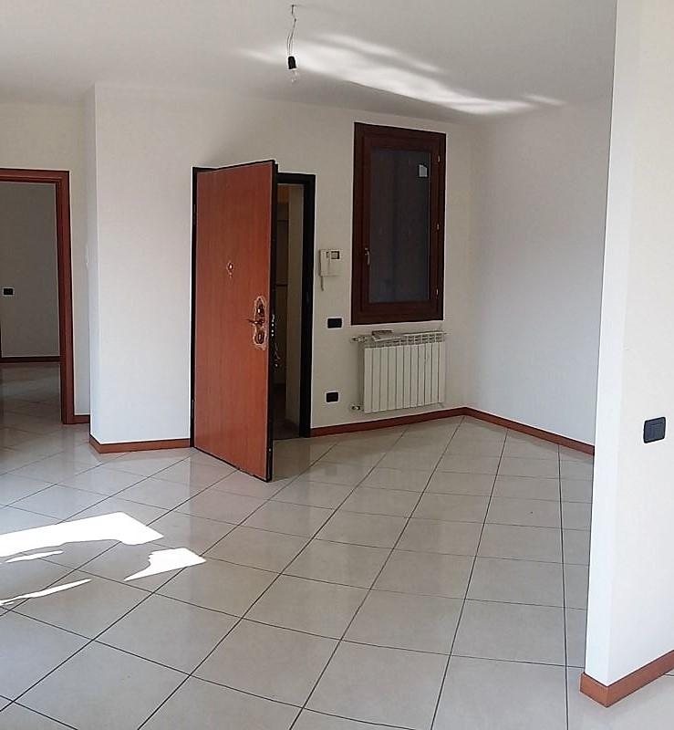 vendita appartamento calolziocorte sala  165000 euro  3 locali  100 mq