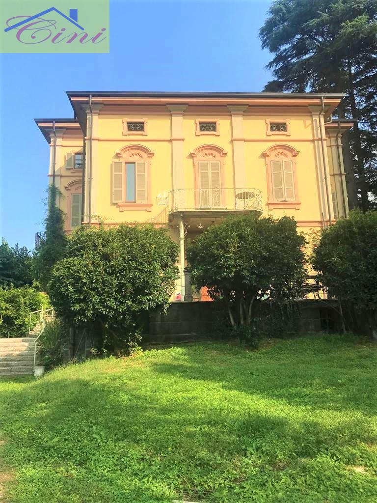Appartamento in vendita a Calolziocorte, 5 locali, prezzo € 350.000 | PortaleAgenzieImmobiliari.it