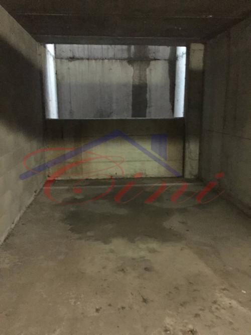 Box o garage in Vendita a Lecco