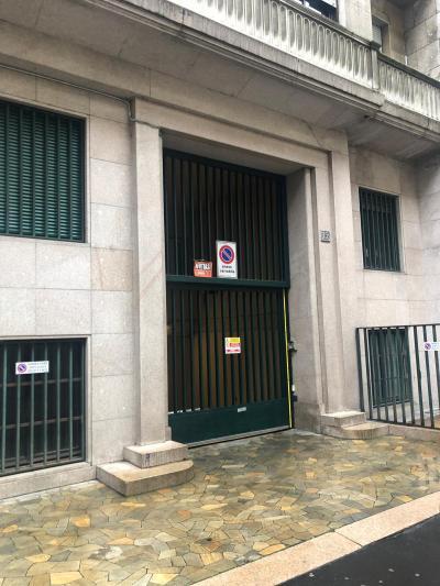 Vai alla scheda: Box / Posto auto Affitto Milano