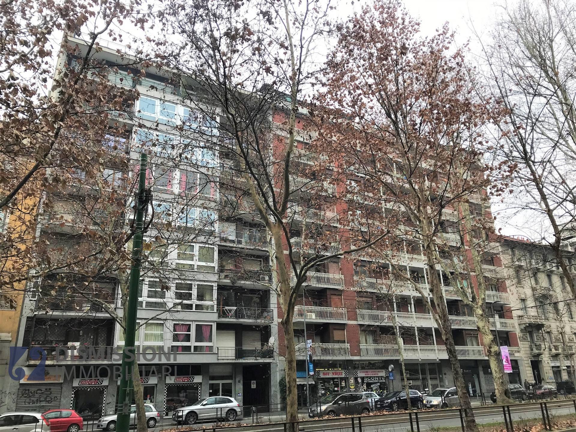 vendita appartamento milano xxii marzo  490000 euro  8 locali  157 mq