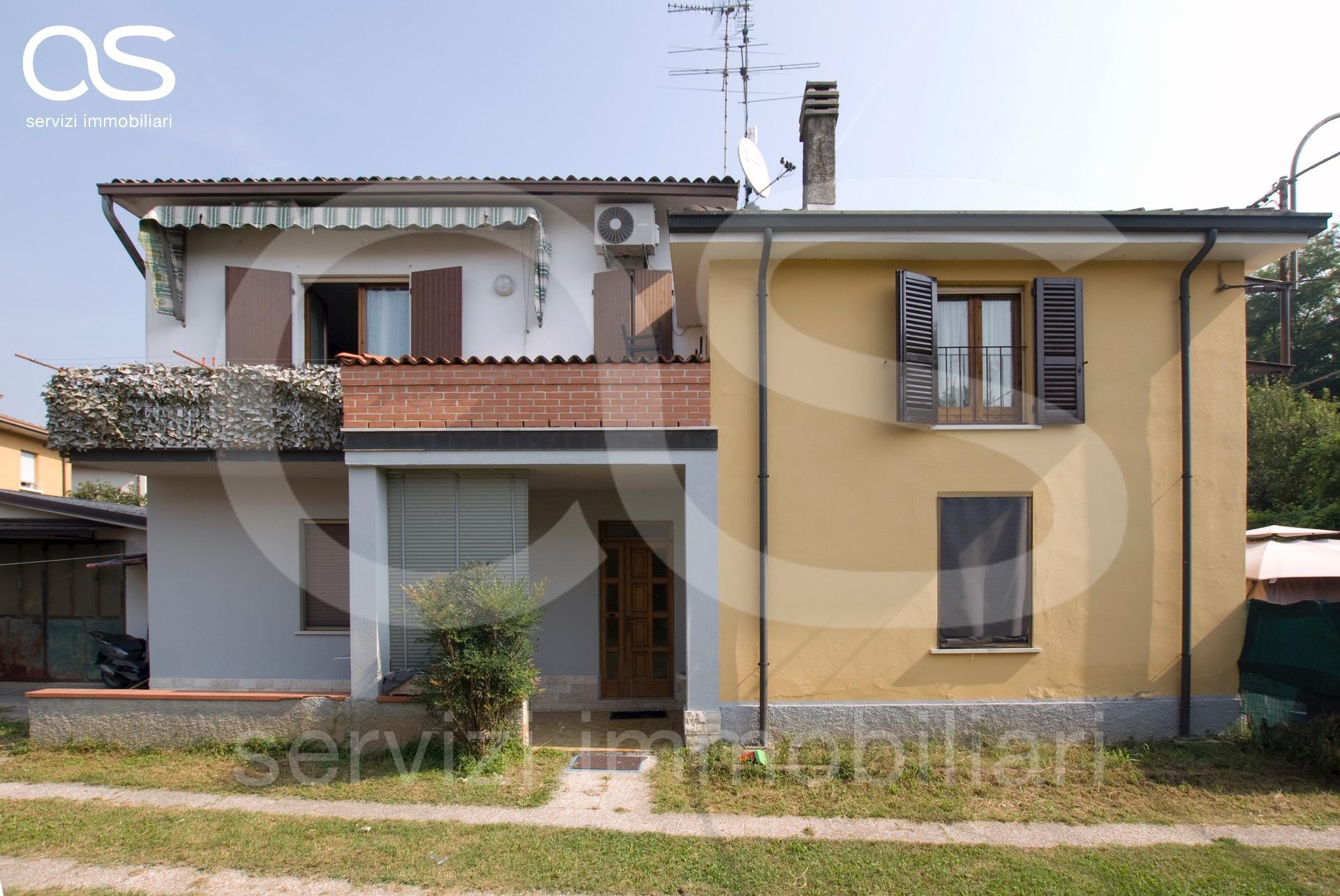 Villa in vendita a Manerbio, 5 locali, prezzo € 140.000 | CambioCasa.it
