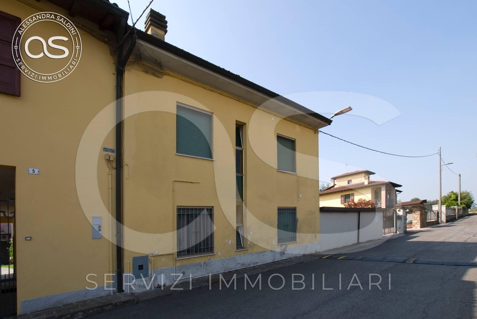 Villa a Schiera in vendita a Bassano Bresciano, 4 locali, prezzo € 60.000 | PortaleAgenzieImmobiliari.it