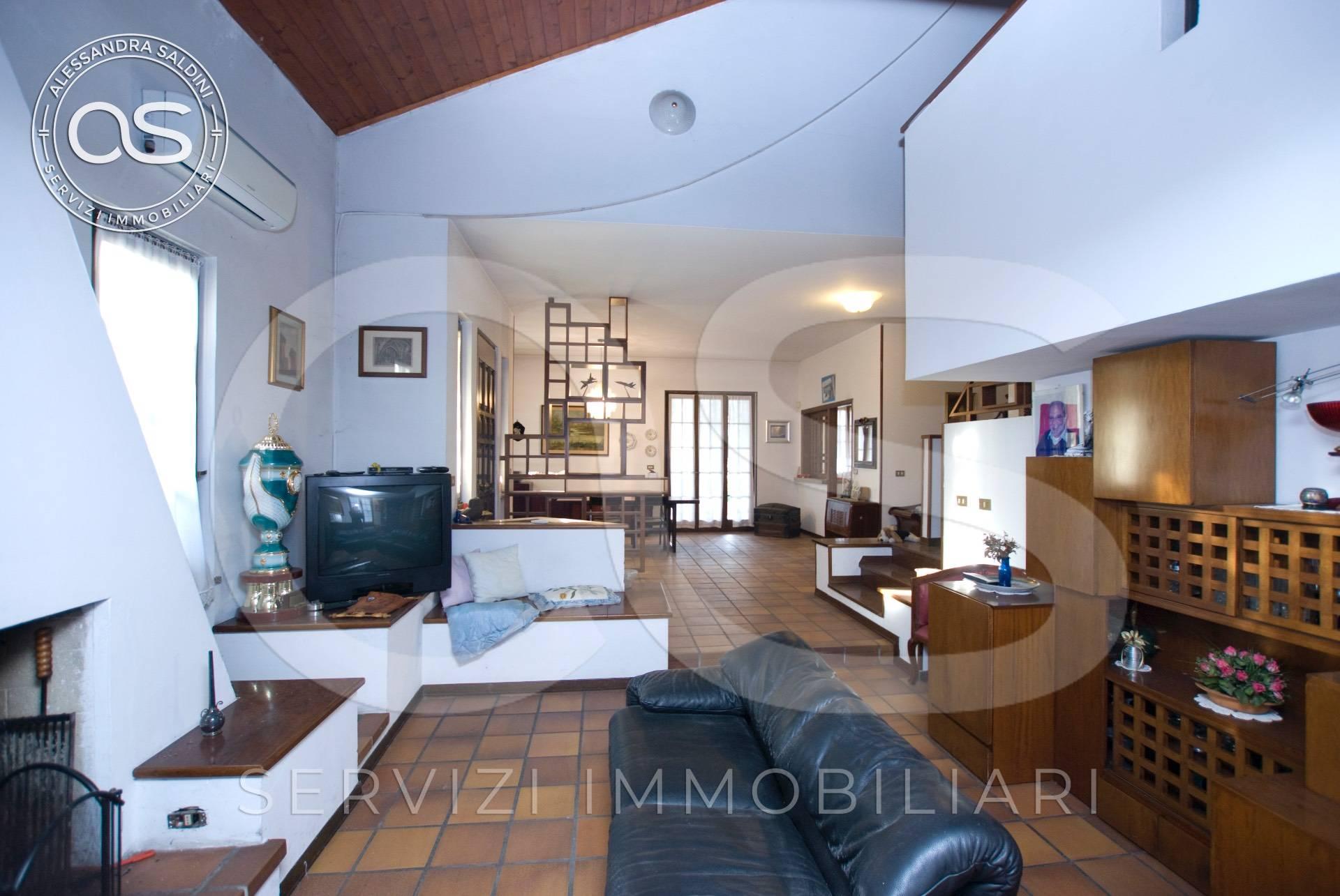 Villa in vendita a Manerbio, 8 locali, prezzo € 399.000 | PortaleAgenzieImmobiliari.it