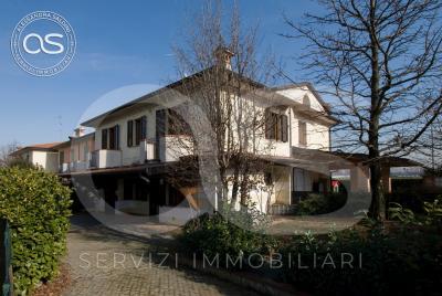 Villa in Vendita a Bassano Bresciano