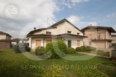 Villa in Vendita a Manerbio