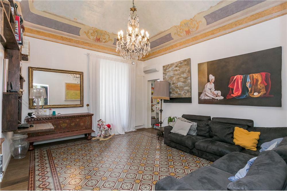 catania vendita quart: catania-centro storico,umberto,etnea,dante,stesico re-max-estates