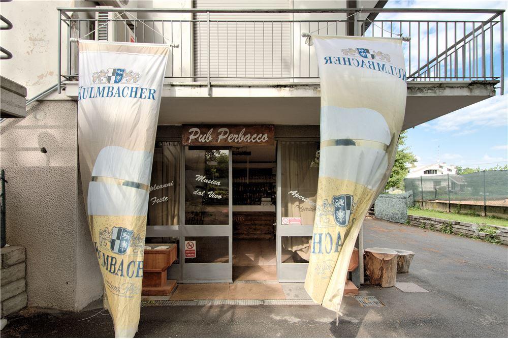 Negozio / Locale in vendita a Appiano Gentile, 9999 locali, prezzo € 229.000   CambioCasa.it
