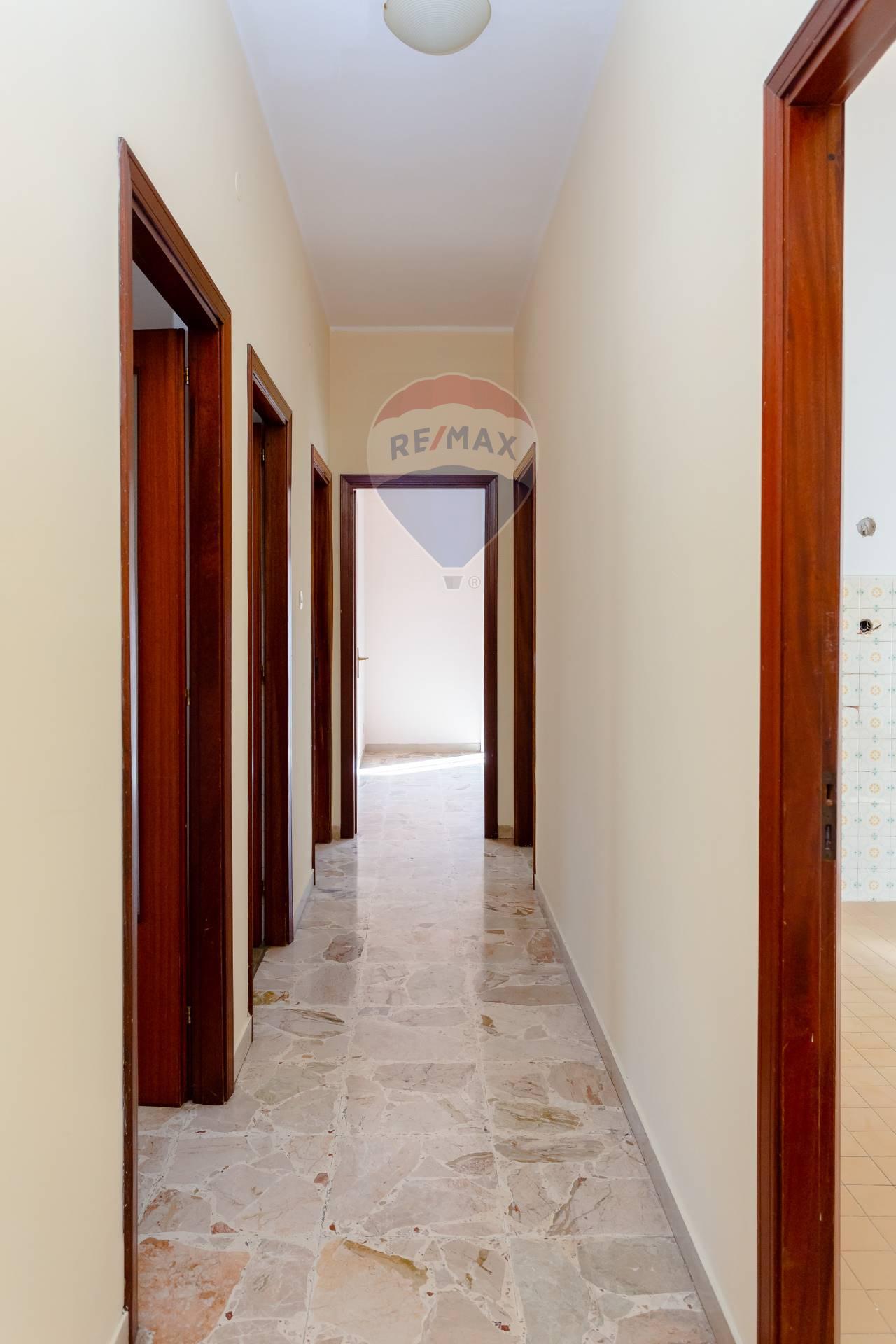 catania affitto quart: catania-canalicchio,tivoli re-max-estates