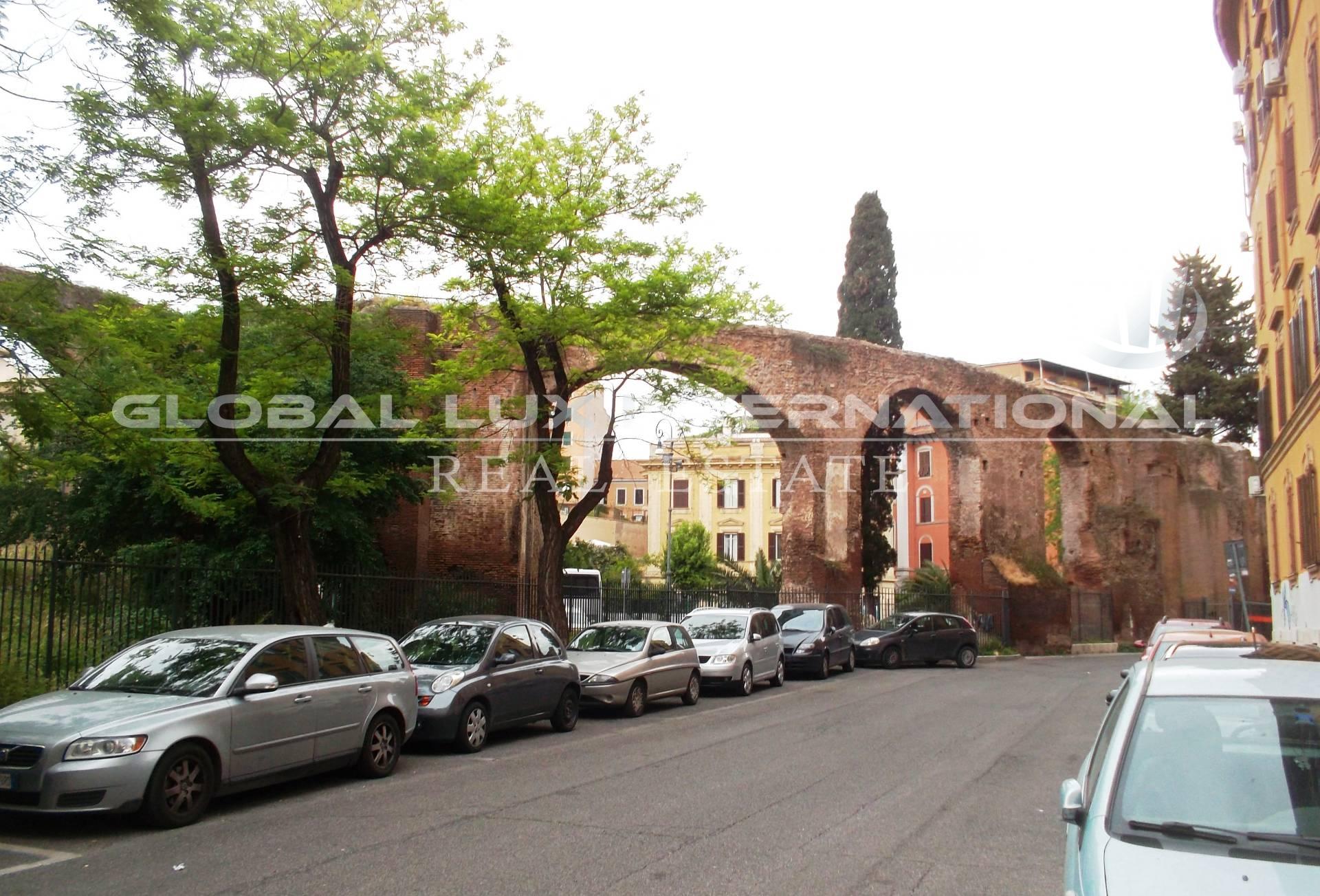 vendita appartamento roma s.giovanni  420000 euro  3 locali  105 mq